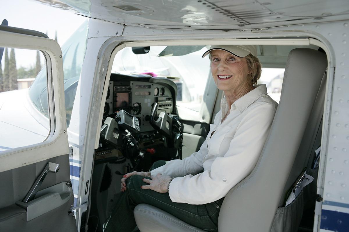 Merry Schroeder Awarded NAA Distinguished Volunteer Pilot Award